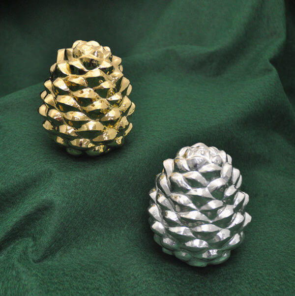 Gold and Silver pineconesWP