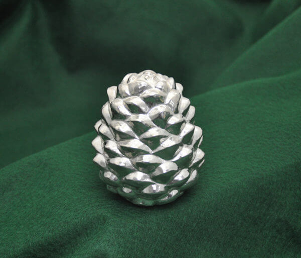 Silver pine cone850